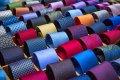 Czytaj więcej: Kolory odzieży, dress code w biznesie i elegancja