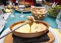 Czytaj więcej: Fondue i raclette – potrawy towarzyskie