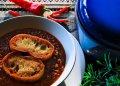 Czytaj więcej: Zupa pomidorowa z czerwonym winem w przepisie Marleny de Blasi